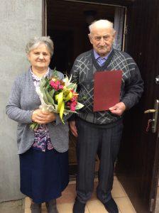 """Na zdjęciu znajdują się Państwo Barbara i Jan Sobótka, którzy 15 listopada 2020 roku obchodzili jubileusz 60 lecia pożycia małżeńskiego """" Diamentowe Gody"""""""