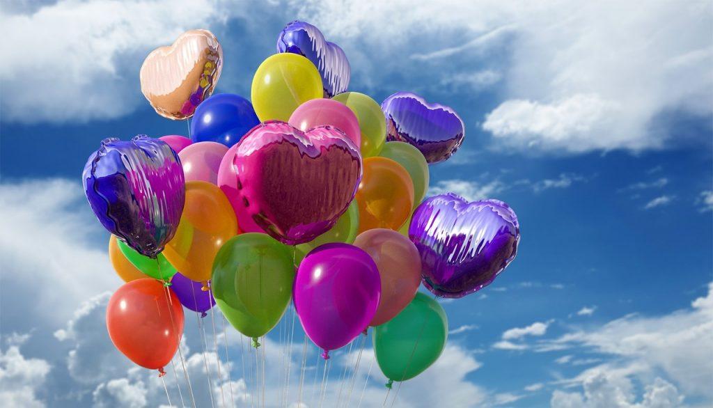Chmura, niebo, powietrze, Plastikowy, kwiat, balon, latać, lato, uroczystość, linia, karnawał, kolor, szybować, pływak, kolorowy, zabawka, świętować, chmury, dzieci, zabarwienie, zabawa, przeświecający, balony, miły, kulki, błyszczący, gumowy, hel, wydrążony, dużo, dla dzieci, plac zabaw, Atmosfera Ziemi,